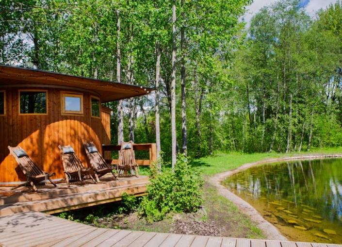 Adila saun